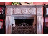 Caminetto in pietra naturale a parete Caminetto 11 - Garden House Lazzerini