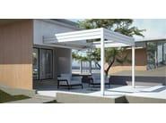 Wall-mounted motorized aluminium pergola with sliding cover I1 A - KE Outdoor Design
