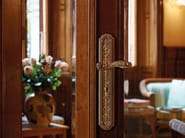 Louis XIV brass door handle on back plate JARDIN | Door handle on back plate - LINEA CALI'