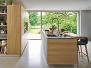 Solid wood fitted kitchen LINEE - TEAM 7 Natürlich Wohnen