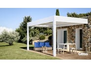 Wall-mounted aluminium pergola with sliding cover MED ROOM MAKI | Wall-mounted pergola - GIBUS