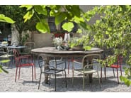 Sedia laccata in metallo con braccioli MOYO - CHAIRS & MORE