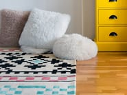 Handmade rectangular wool rug with geometric shapes RESTLESS - Dare to Rug