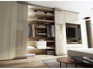 Sectional lacquered wood and glass wardrobe ROOMY | Wood and glass wardrobe - Caccaro