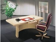 Rectangular wooden office desk SKYLINE - Dyrlund
