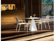 Round contract table TOWER | Round table - Varaschin