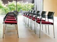 Sedia da conferenza impilabile in tessuto con braccioli ALUFORM_3 | Sedia da conferenza - Wiesner-Hager