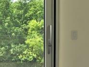 Window handle on back plate ESSENCE | Window handle - METRA