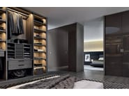 Sectional lacquered glass wardrobe FITTED | Lacquered wardrobe - Poliform