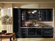 Lacquered wooden fitted kitchen with handles RAFFAELLO | Lacquered kitchen - Oikos Cucine