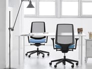 Task chair with 5-Spoke base with armrests LIGHTUP 250SFL - profim