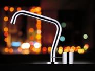 Miscelatore da cucina a due fori da piano in ottone cromato con bocca girevole LUCKY 7 | Miscelatore da cucina con bocca girevole - JUSTIME