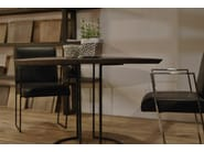Round oak dining table LUNE - CABUY D.