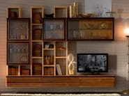 Sectional solid wood storage wall ELETTRA DAY | Wooden storage wall - Cantiero