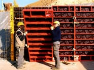 Formwork system for load-bearing wall DOMINO - PERI