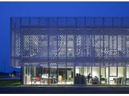 Beneteau Group headquarters - DESIGN: PAD Architectes for BERI 21 - FABRICATION: LCCA - INSTALLATION: MCS - MATERIAL: HI-MACS ® Alpine White - PHOTOGRAPHER: ©Mathieu Ducros
