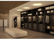Atlante walk-in closet in grey oak