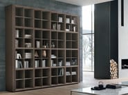 Wall-mounted wooden bookcase TRATTO | Bookcase - ALIVAR