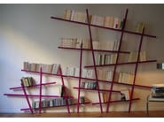 Open wall-mounted lacquered bookcase MIKADO - Compagnie