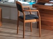 Wooden chair with armrests 1592A | Chair - Dyrlund