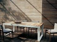 Extending steel and wood garden table SPINNAKER - RODA