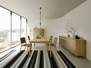 Upholstered fabric chair EVIVA | Fabric chair - TEAM 7 Natürlich Wohnen