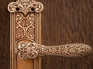 Door handle on back plate FIORENZA | Door handle on back plate - dnd by Martinelli