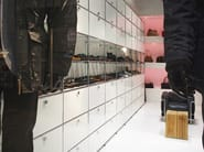 Shop furnishing USM HALLER STORAGE SYSTEM FOR RETAIL | Shop furnishing - USM Modular Furniture