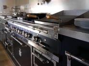 Linear custom kitchen TORNABUONI PALACE - Officine Gullo