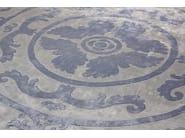 Pompadour blue circle