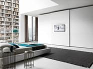 Lacquered wardrobe with sliding doors with built-in TV Tecnopolis anta TRIS_YOU_TV - Presotto Industrie Mobili
