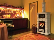 Wood-burning ceramic stove with Thermal Accumulation with Oven MARLENE | Stove with Oven - Sergio Leoni
