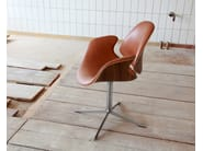 Swivel leather chair with 4-spoke base COUNCIL | Chair - Onecollection