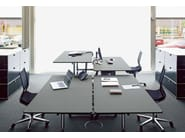 Height-adjustable workstation desk USM KITOS TABLE | Height-adjustable office desk - USM Modular Furniture