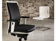Task chair with 5-Spoke base with armrests JUVENTA | Task chair - König + Neurath