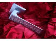 Door handle on rose satin chrome QUEEN | Door handle - Frascio