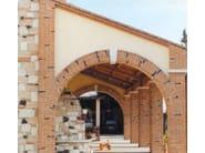 Special clay piece for fair faced facade COPRIMURETTE, CORNICI E ANGOLARI - FORNACE FONTI