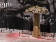 Sled base stool with footrest CARBON BAR STOOL - Moooi©