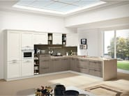Ash fitted kitchen with peninsula IRIS - CREO Kitchens by Lube