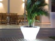 Polyethylene vase with Light CENTRO ALTO - VONDOM