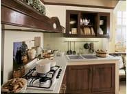 Classic style walnut kitchen IL CANTO DEL FUOCO | Walnut kitchen - Martini Mobili