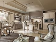 Lacquered fitted kitchen with island TOSCA | Fitted kitchen - Martini Mobili