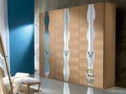 Sectional wooden wardrobe IRIDE | Wardrobe - Carpanelli Contemporary