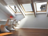 Manually operated pine roof window VELUX Standard bassoemissiva GHL 73 - VELUX