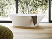 Freestanding oval Korakril™ bathtub FONTE | Freestanding bathtub - Rexa Design