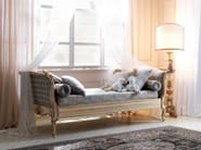 Classic style single bed