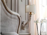Classic style wall lamp with fixed arm