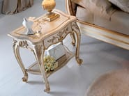 Classic style bedside table with drawers