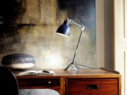 With swing arm table lamp N°205 | Table lamp - DCW éditions