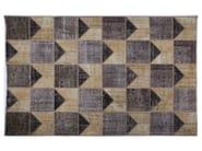 Handmade rug with geometric shapes